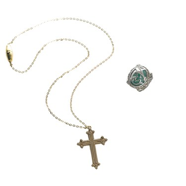Pirates of the Caribbean 4 On Stranger Tides - Angelica Cross Necklace And Ring
