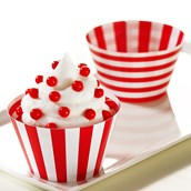 Red and White Reversible Cupcake Wrappers