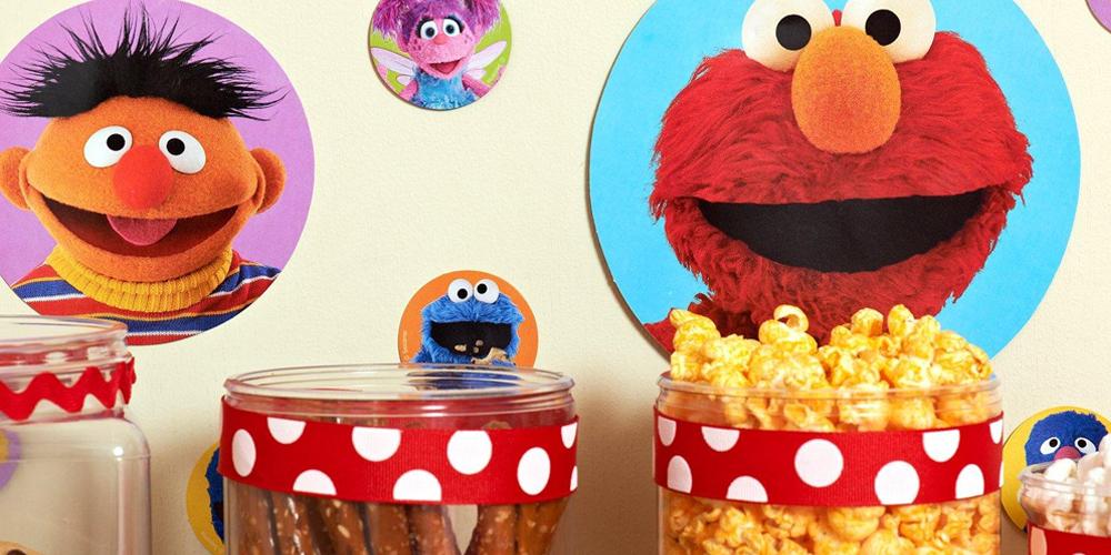 Alt. Image (1) - Sesame Street Elmo Party in a Box